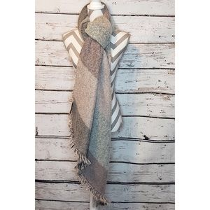 NWT Forever 21 Blanket Scarf Shawl Pink Gray